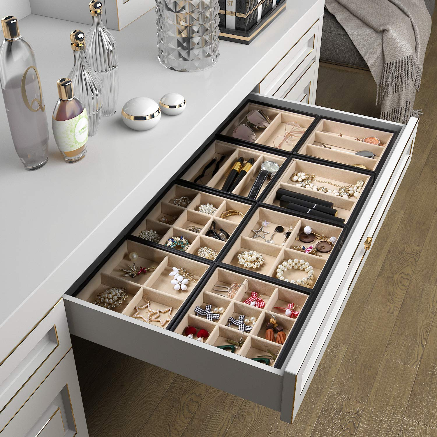 Valdler 4 Stackable Jewelry Organizer Tray with Clear Glass Lid Showcase Display Storage VD-230006BL