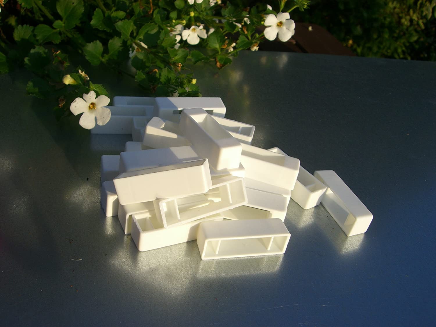 Beekeepers 100 Narrow bee hive plastic frame ends / spacers simonthebeekeeper