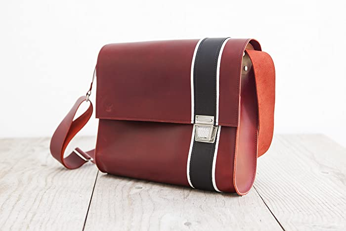 e28c5f83dd6e Red Postman Bag