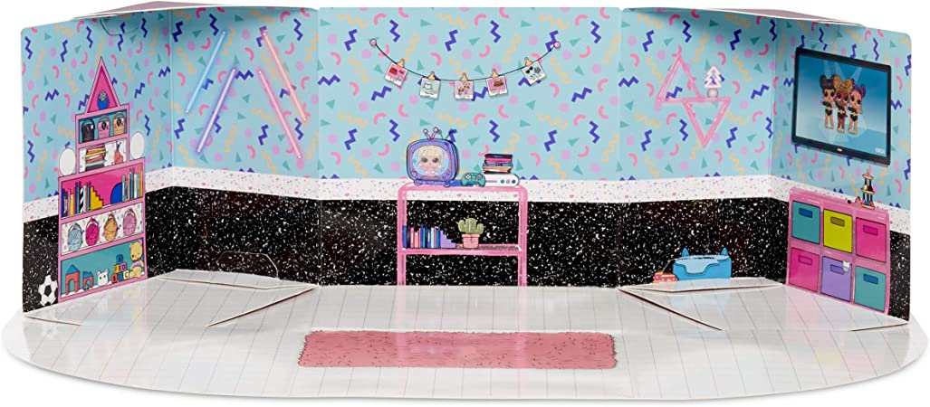 Amazon Com L O L Surprise Furniture Bedroom With Neon Q T 10 Surprises Multicolor Toys Games