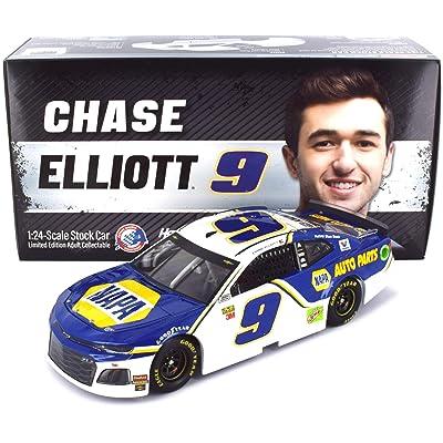 Lionel Racing Chase Elliott No. 9 NAPA 2020 Chevrolet Camaro NASCAR Diecast 1:24 Scale: Toys & Games