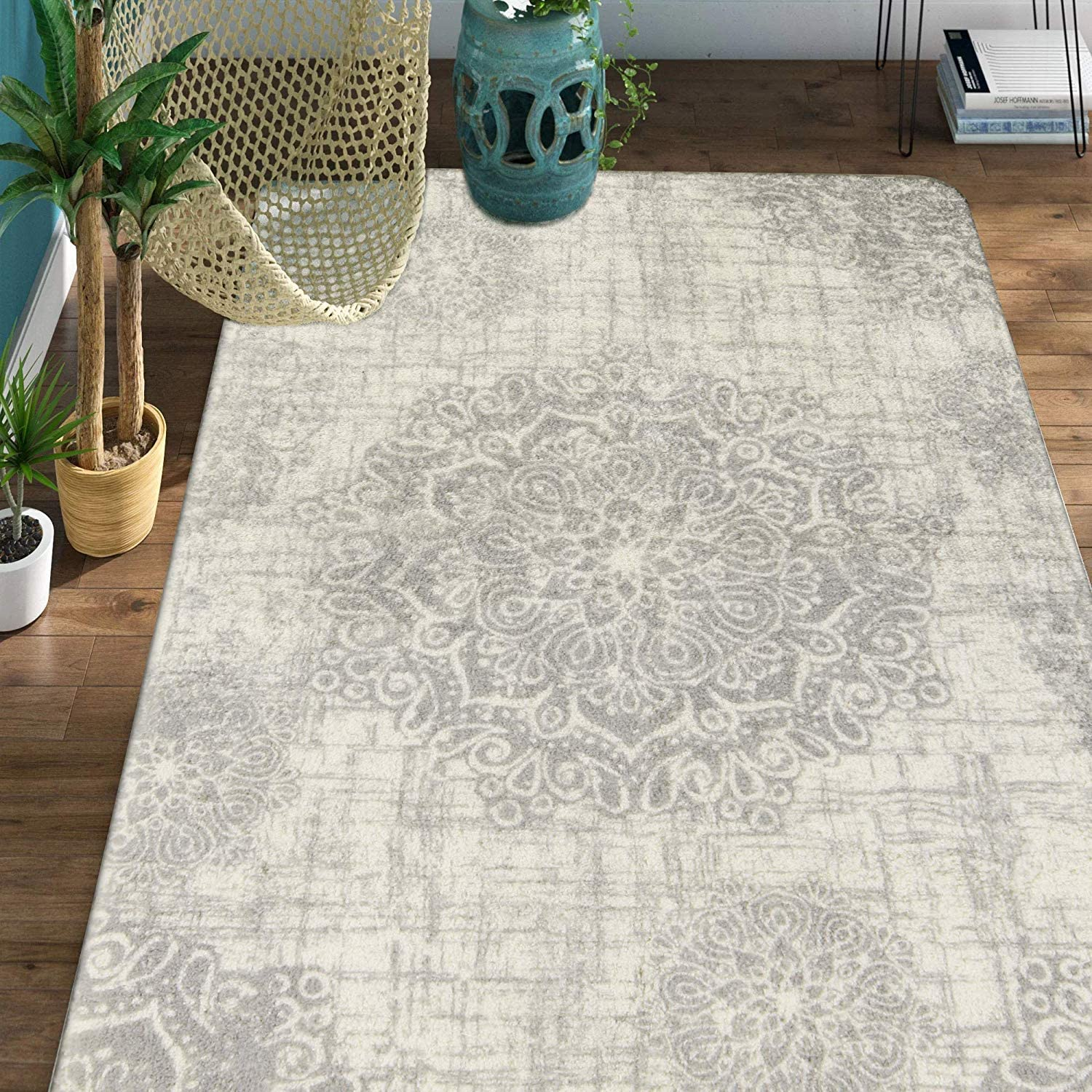 Lahome Vintage Medallion Area Rug - 4' X 6' Faux Wool Non-Slip Area Rug Accent Distressed Throw Rugs Floor Carpet for Living Room Bedrooms Laundry Room Decor (4' x 6', Gray)