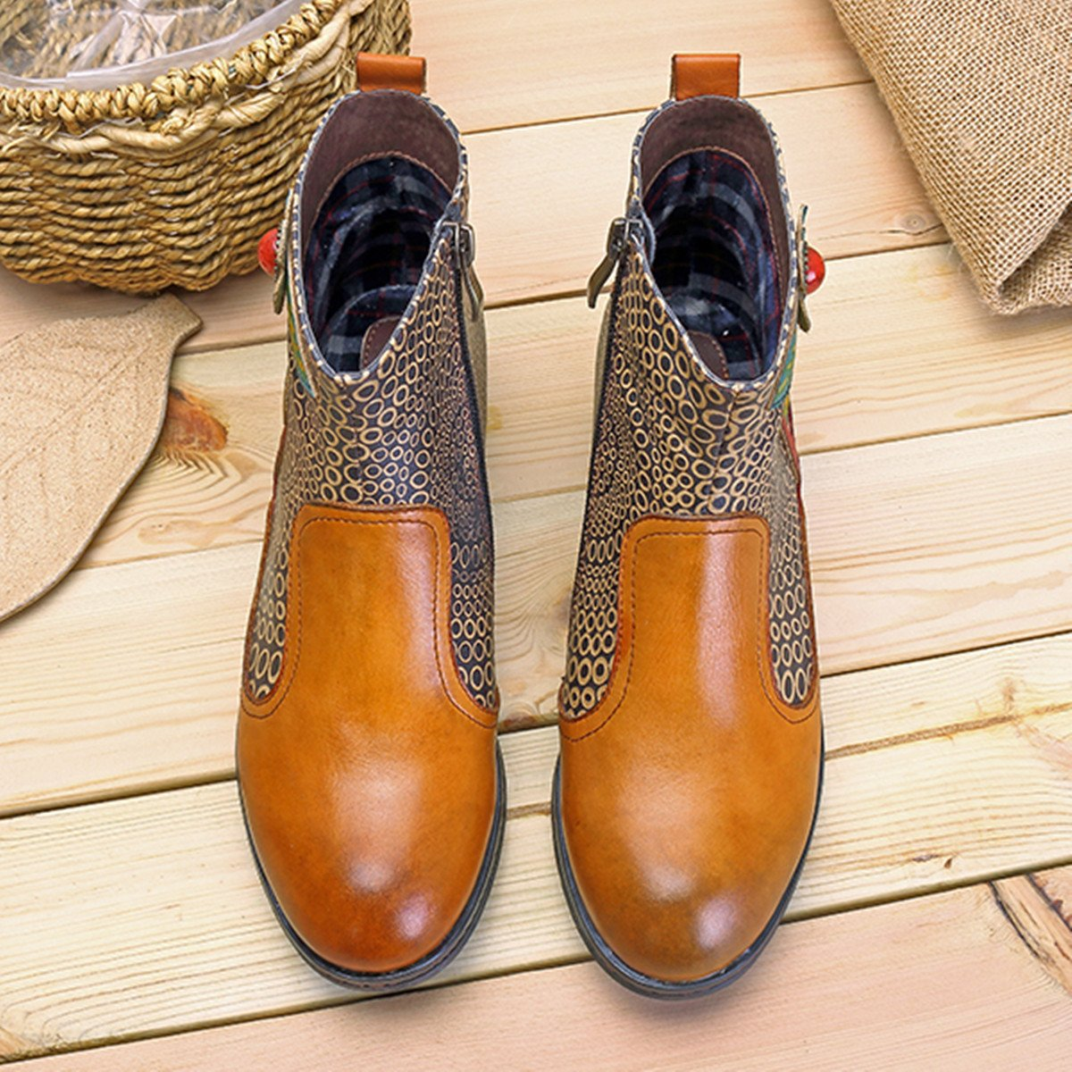 best website 3ade8 a7a7e ... Socofy Socofy Socofy Leather Ankle Bootie, Women s Vintage Handmade  Flat Retro Buckle Pattern B077S3396Z Chelsea