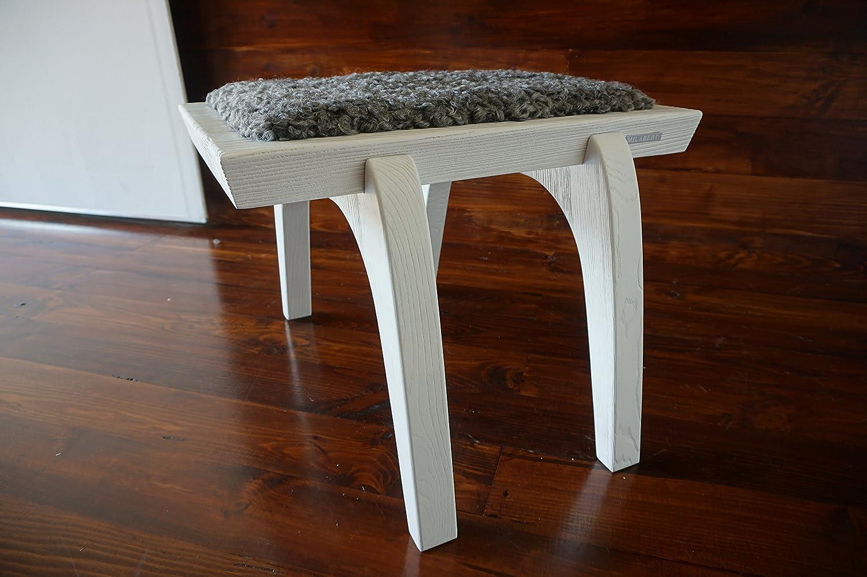 Minimalistisch Weiß Eichenholz Hocker / Stuhl mit echtem geschweiften Silber Schwedischen Gotland Schaffell - Designermöbel von MILABERT (S051605)