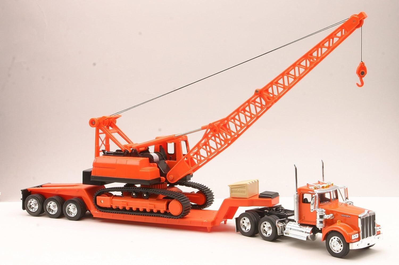 New Ray 11293C 1/32 Kenworth W900 Lowboy w/Crane