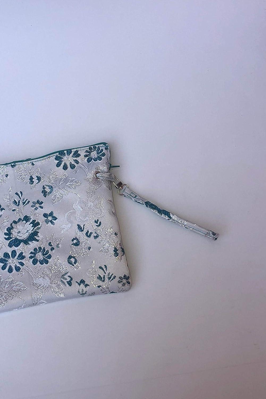 32a3a741f Bolso de mano (Funda de iPad) de tela fallera valenciana blanca con estampado  de flores azules y plata.: Amazon.es: Handmade