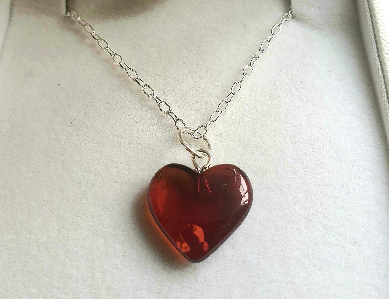 Collar de corazón de ámbar báltico con cadena de plata – Supernuevo estilo