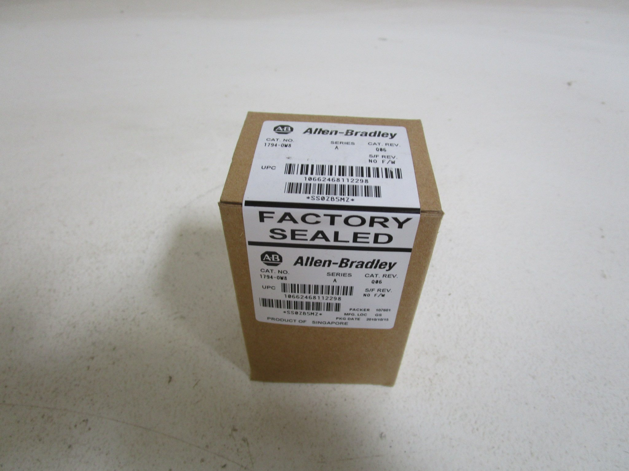 ALLEN BRADLEY 1794-OW8 SER. A RELAY OUTPUT MODULE DATE: 10/2010FACTORY SEALED