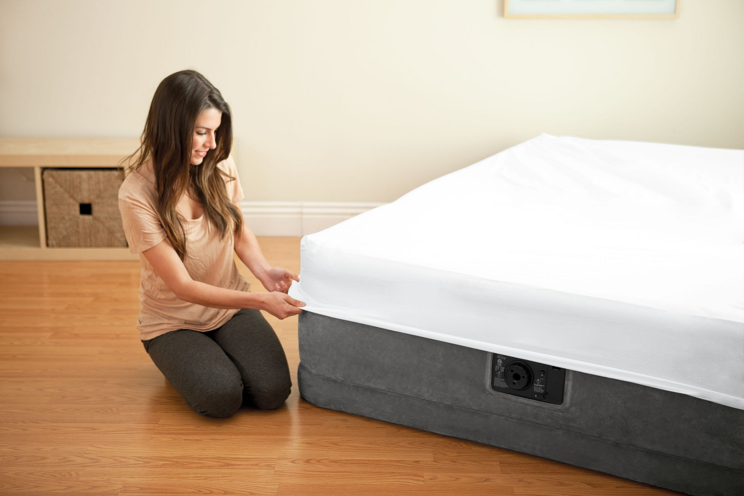 Intex Comfort Plush Elevated Dura-Beam Airbed with Built-in Electric Pump, Bed Height 18'', Twin by Intex (Image #23)