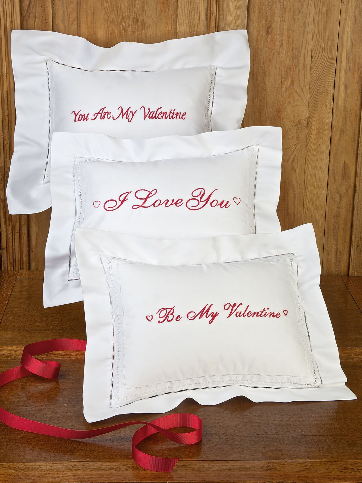 Valentine Pillows (heart) I Love You (heart), White (w. Empire Down Pillow)