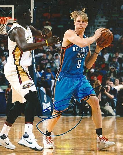 fa8bf8da170d Signed Kyle Singler Picture - OKLAHOMAS 8X10 COA - Autographed NBA Photos