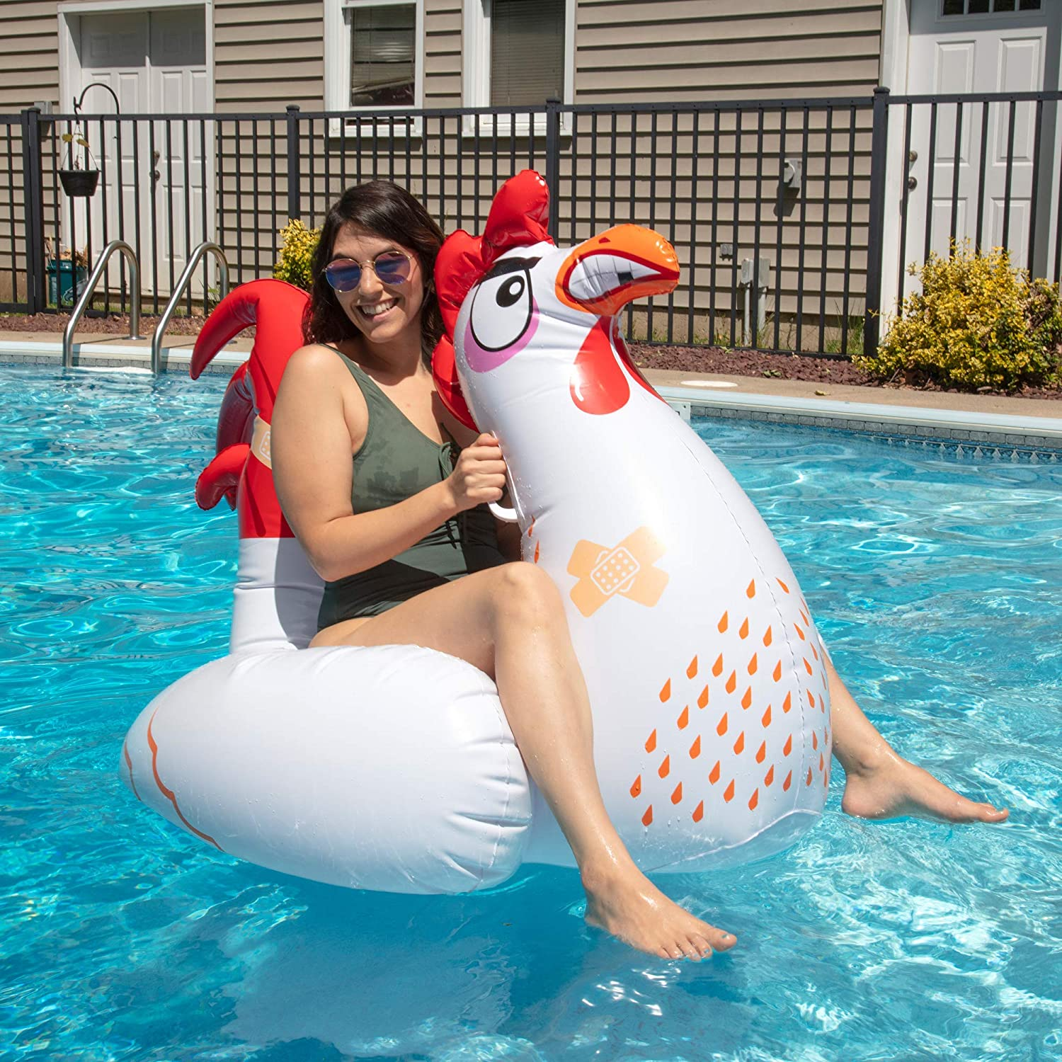 Amazon.com: SCS Direct Inflatable Chicken Fight Twin Float ...