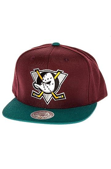 best authentic 3ac69 395b5 Mitchell   Ness Men s Mighty Ducks Basic 2-Tone Logo Snapback Hat One Size  Purple