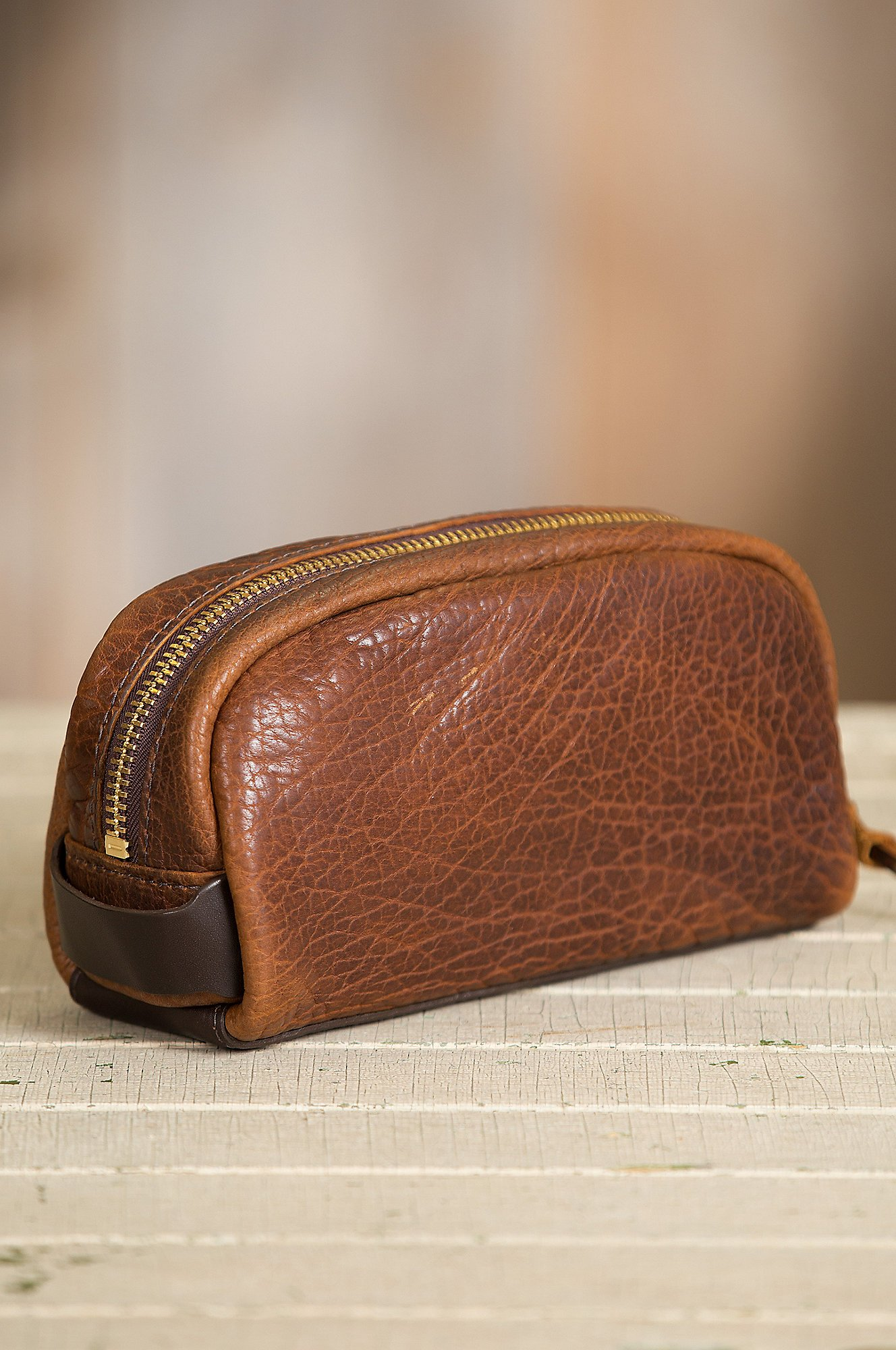 American Bison Leather Medium Travel Kit by Overland Sheepskin Co (Image #3)