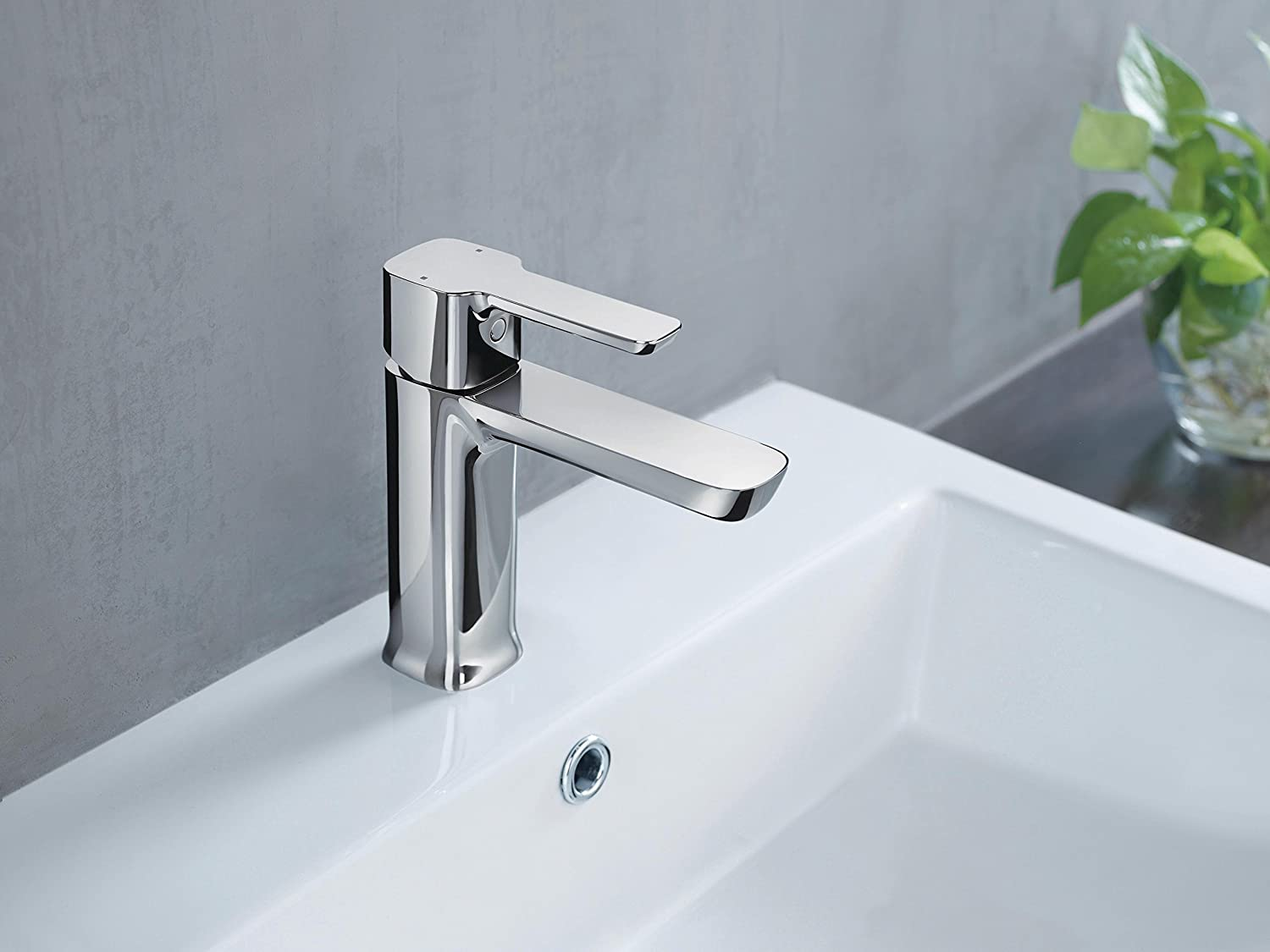 Chrome 581LF-PP Delta Faucet Modern Single-Handle Bathroom Faucet with Drain Assembly