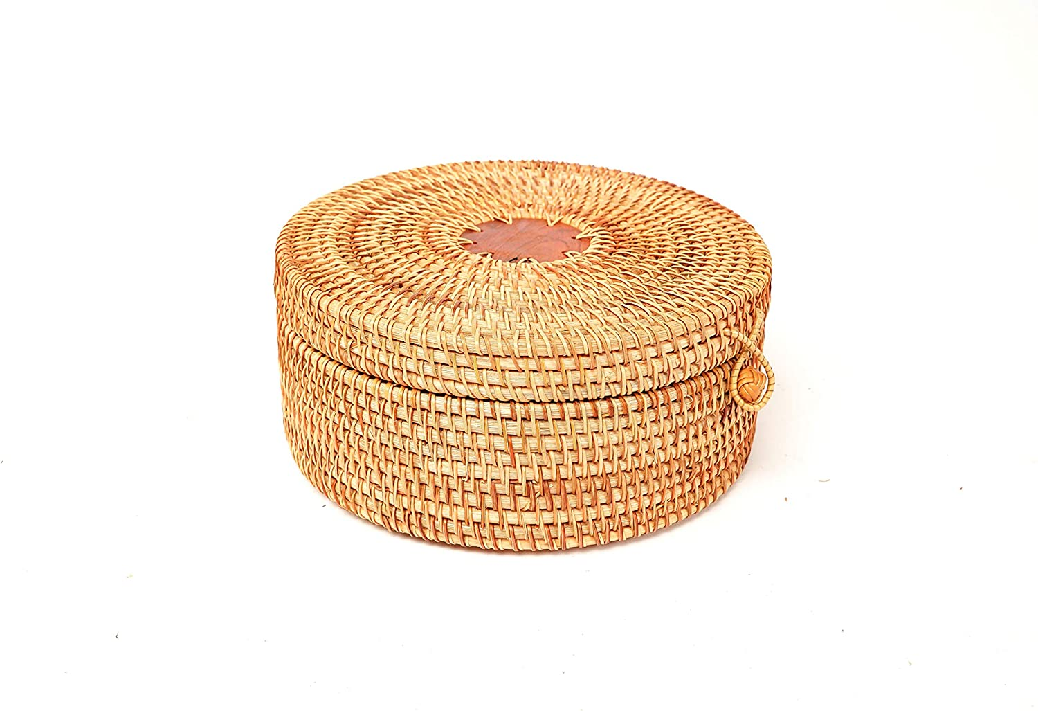Round Hand-woven Rattan Storage Box with Straps. Natural Rattan Storage Baskets. Multipurpose Round Rattan Bowls. Food, Fruit, Drinks, Makeup organizer storage box with lid for décor