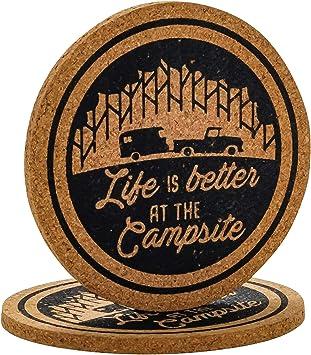 Camco 53228 Getränkeuntersetzer Aus Kork Mit Lustigem Camping Design Ideal Für Rving Camping Und Mehr 2 Stück Auto