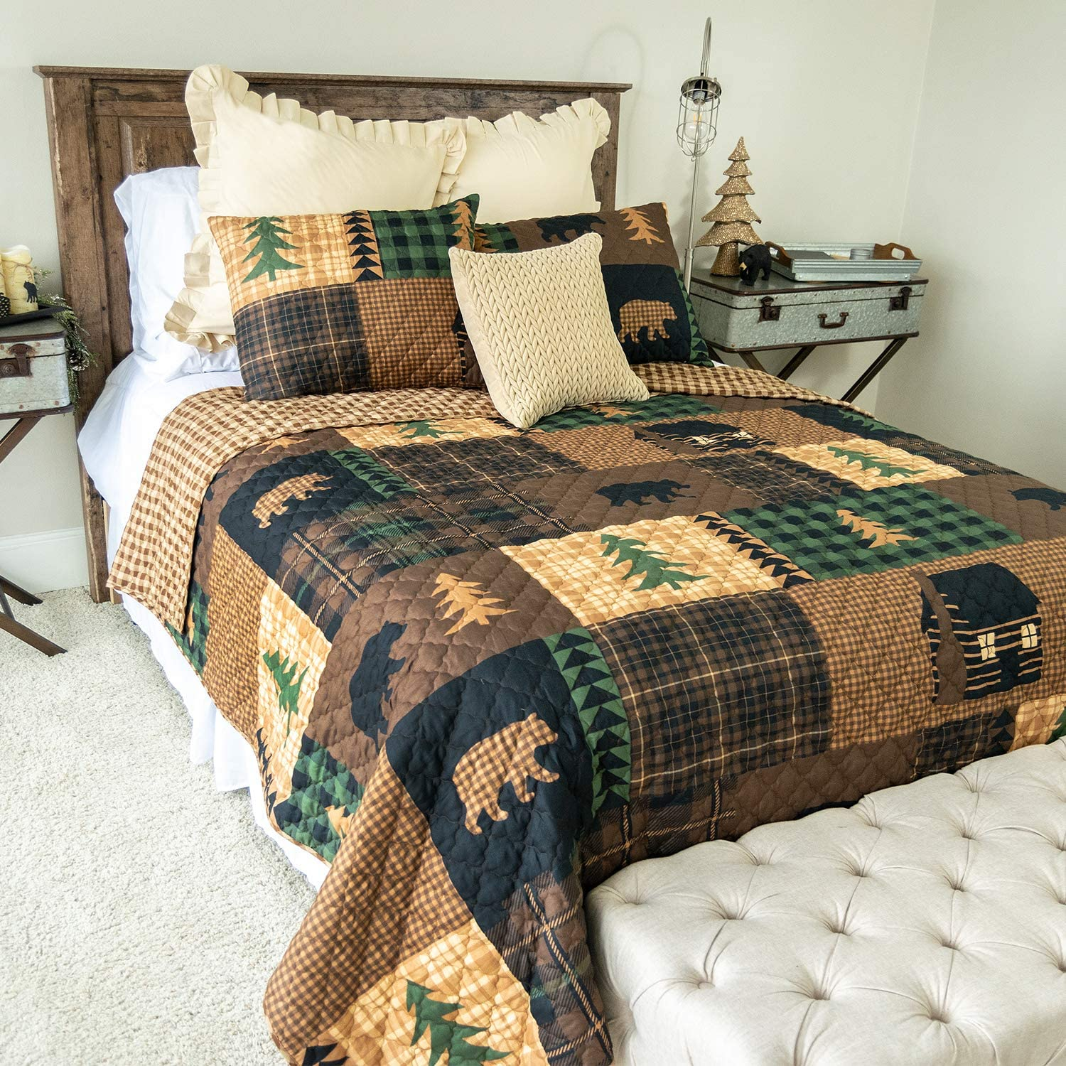 King Bedding Set - 3 Piece - Brown Bear Cabin by Donna Sharp - Lodge Quilt Set with King Quilt and Two Standard Pillow Shams - Machine Washable