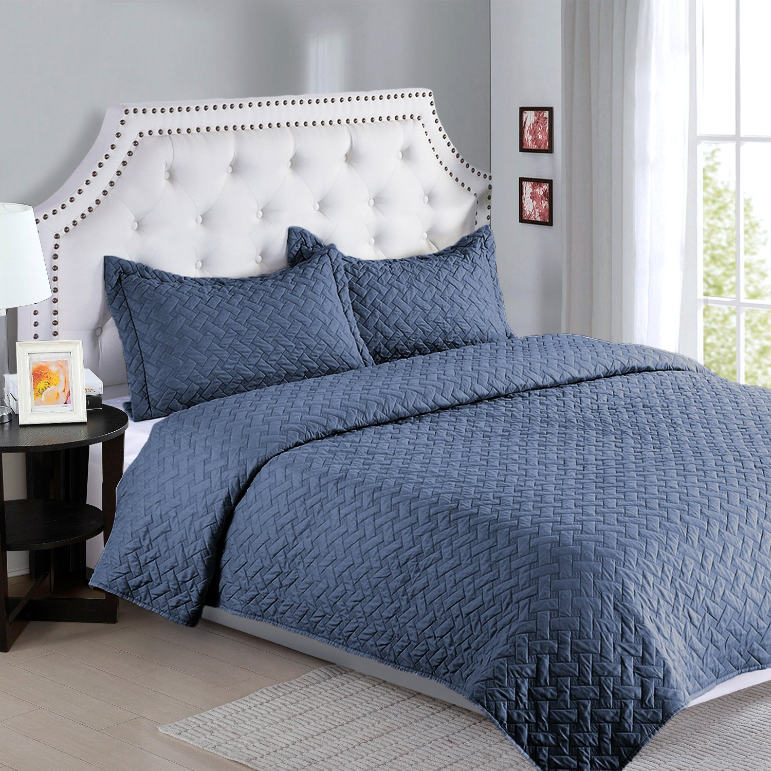 Bedsure Solid Pattern Style Quilt Set