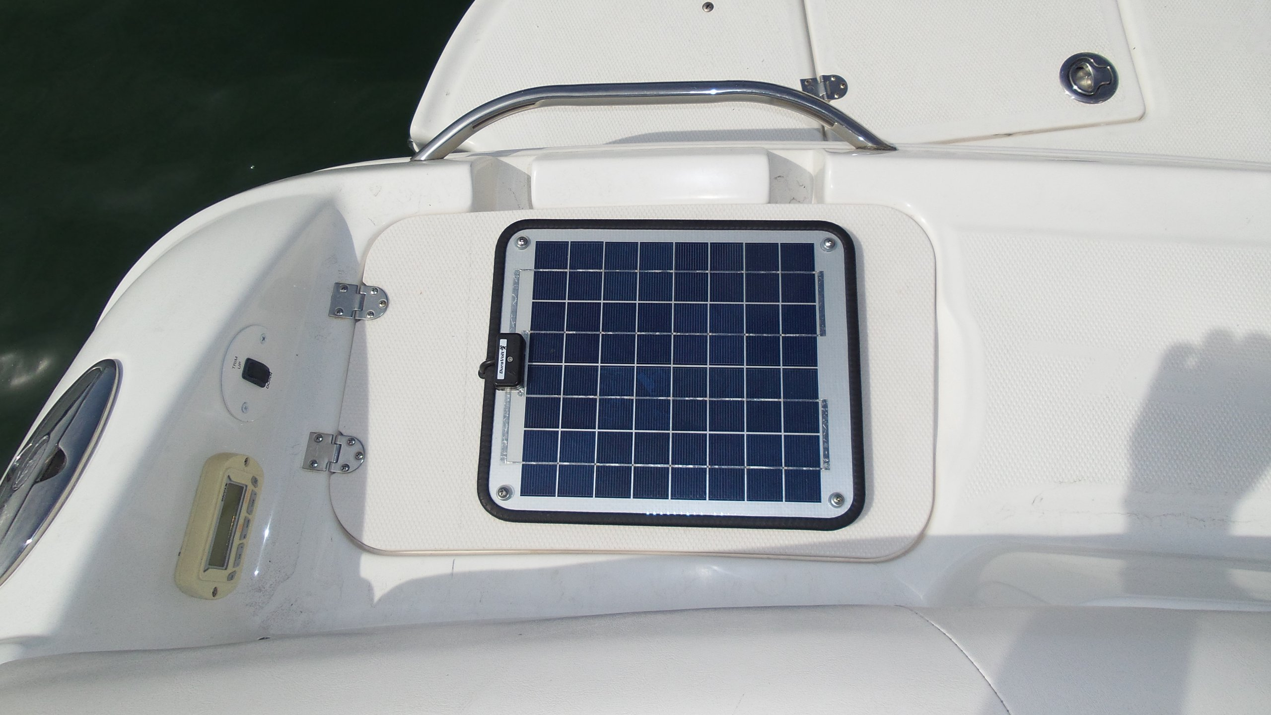 NOW 20 Watt 1.0 Amp - Solar Battery Charger - Boat, RV, Marine & Trolling Motor Solar Panel - 12 Volt - No experience Plug & Play Design. Dimensions 14.1'' L x 15.7'' W x 1/4'' Thick. 10' cable. by DuraVolt (Image #6)