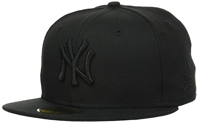 sports shoes bbc3e e64b8 New Era 59FIFTY NY Yankees Cap Black on Black  Amazon.ca  Clothing    Accessories