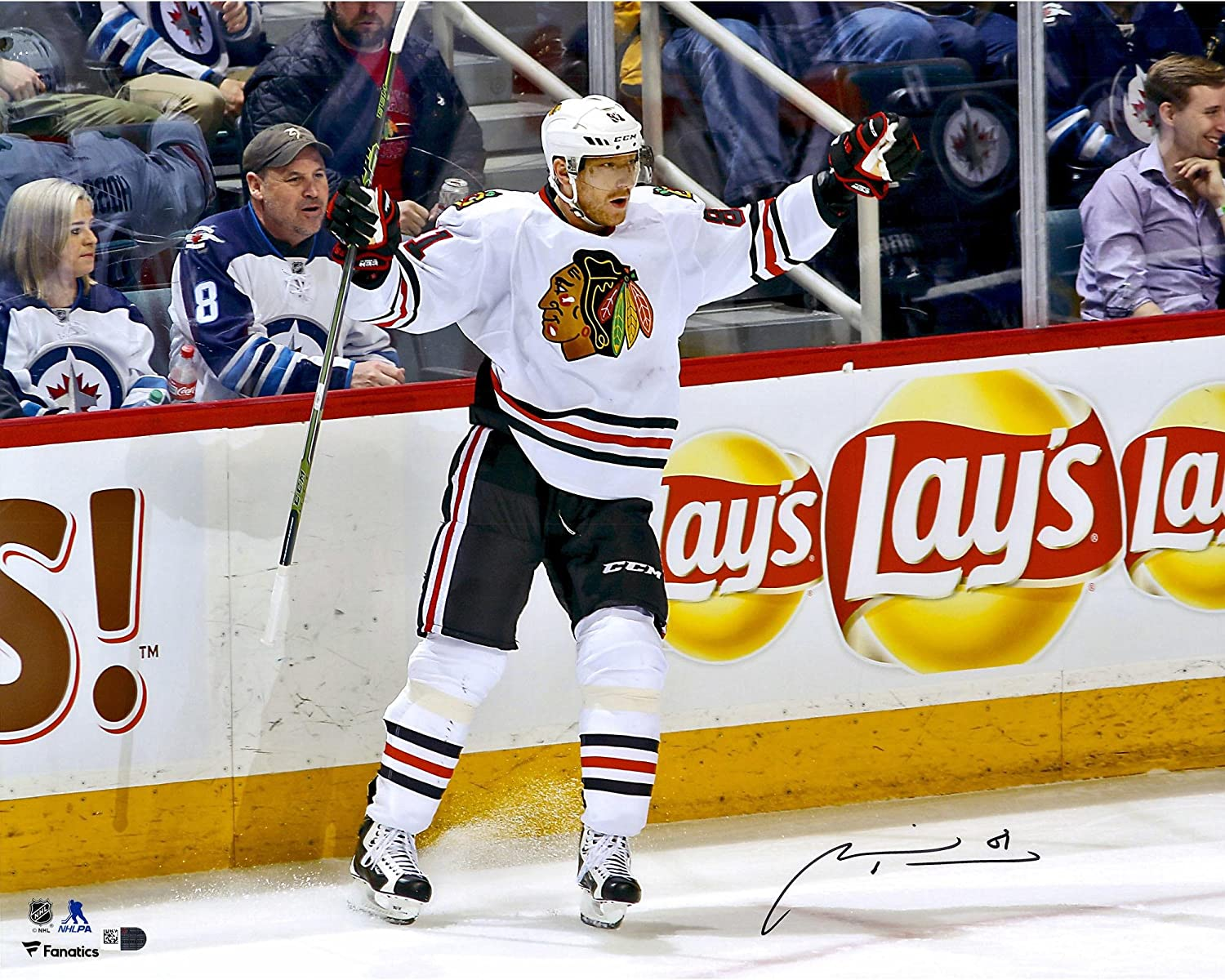 Marian Hossa Chicago Blackhawks Autographed 16' x 20' White Jersey Goal Celebration Photograph - Fanatics Authentic Certified
