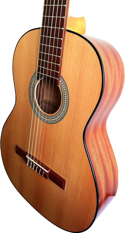 MARCE ADMIRADA- Guitarra Clasica española de estudio (caja armónica de Sapelly, diapasón madera tintado, un perfíl tintado en negro, acción baja. Tamaño adulto)