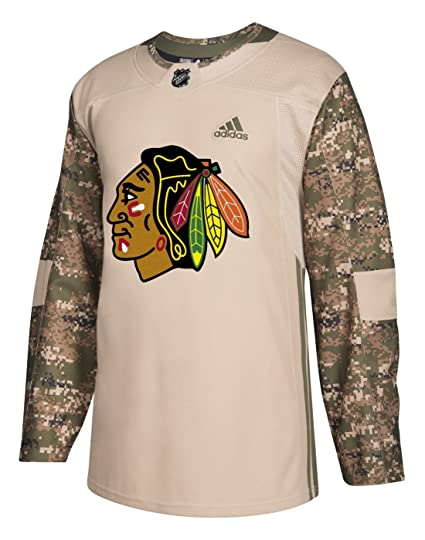 Amazon.com   adidas Chicago Blackhawks NHL Camouflage Pre-Game ... fb041e4bc