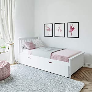 Max & Lily Solid Wood Twin-Size Bed with Trundle Bed