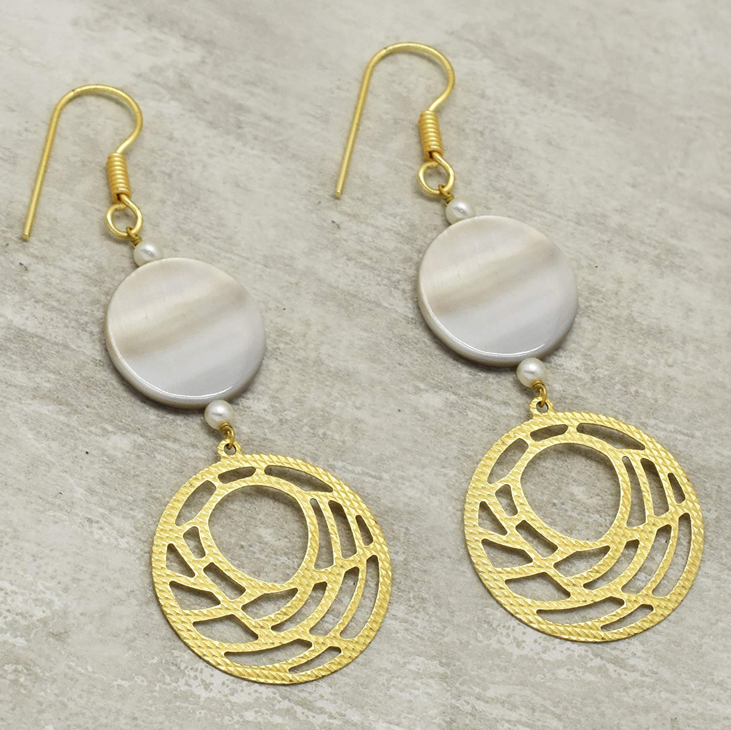 The V Collection earrings yellow gold plated agate,pearl round shape dangling earrings for women /& girls