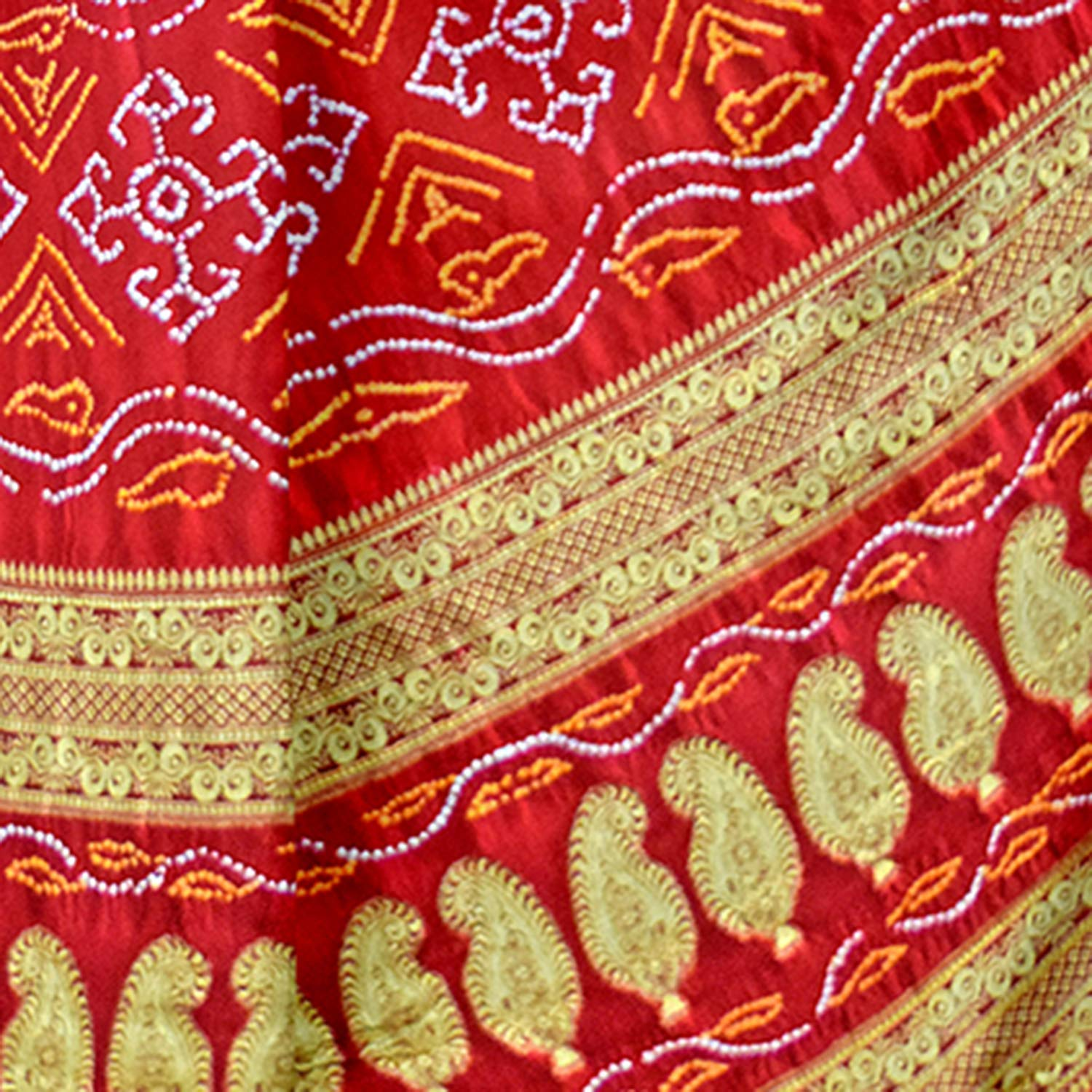 6790a02f3d69c Kala Sanskruti Women s Red Gaji Silk Printed Bandhej Saree  Amazon.in   Clothing   Accessories