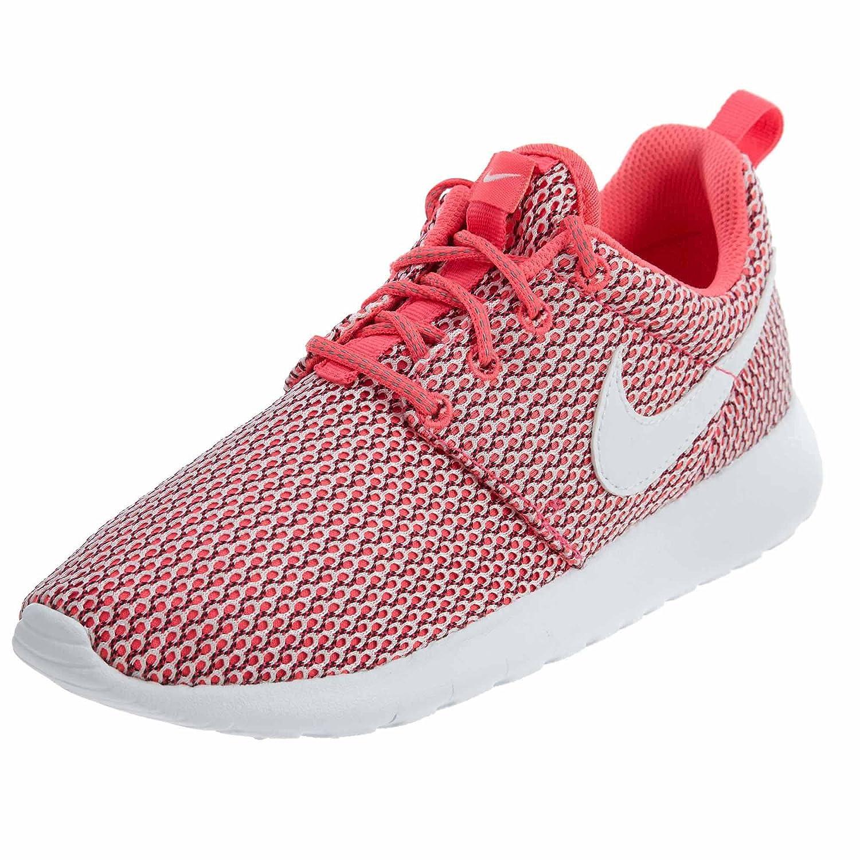cc4b5b1f1a838 Amazon.com  NIKE Girls Roshe One (GS) Shoe - Size 5.5Y -  Shoes