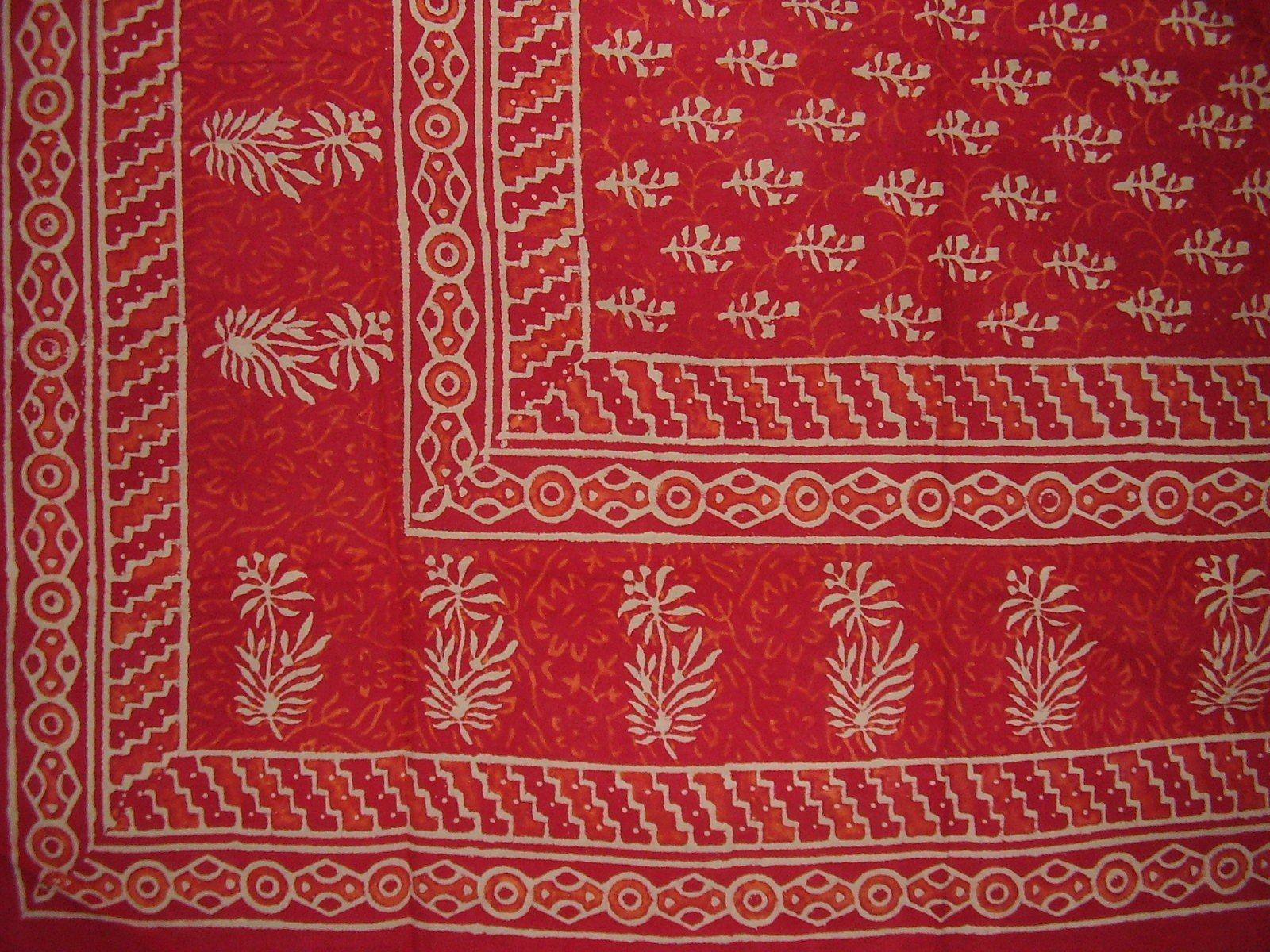Block Print Tapestry Cotton Spread 110'' x 72'' Twin Red