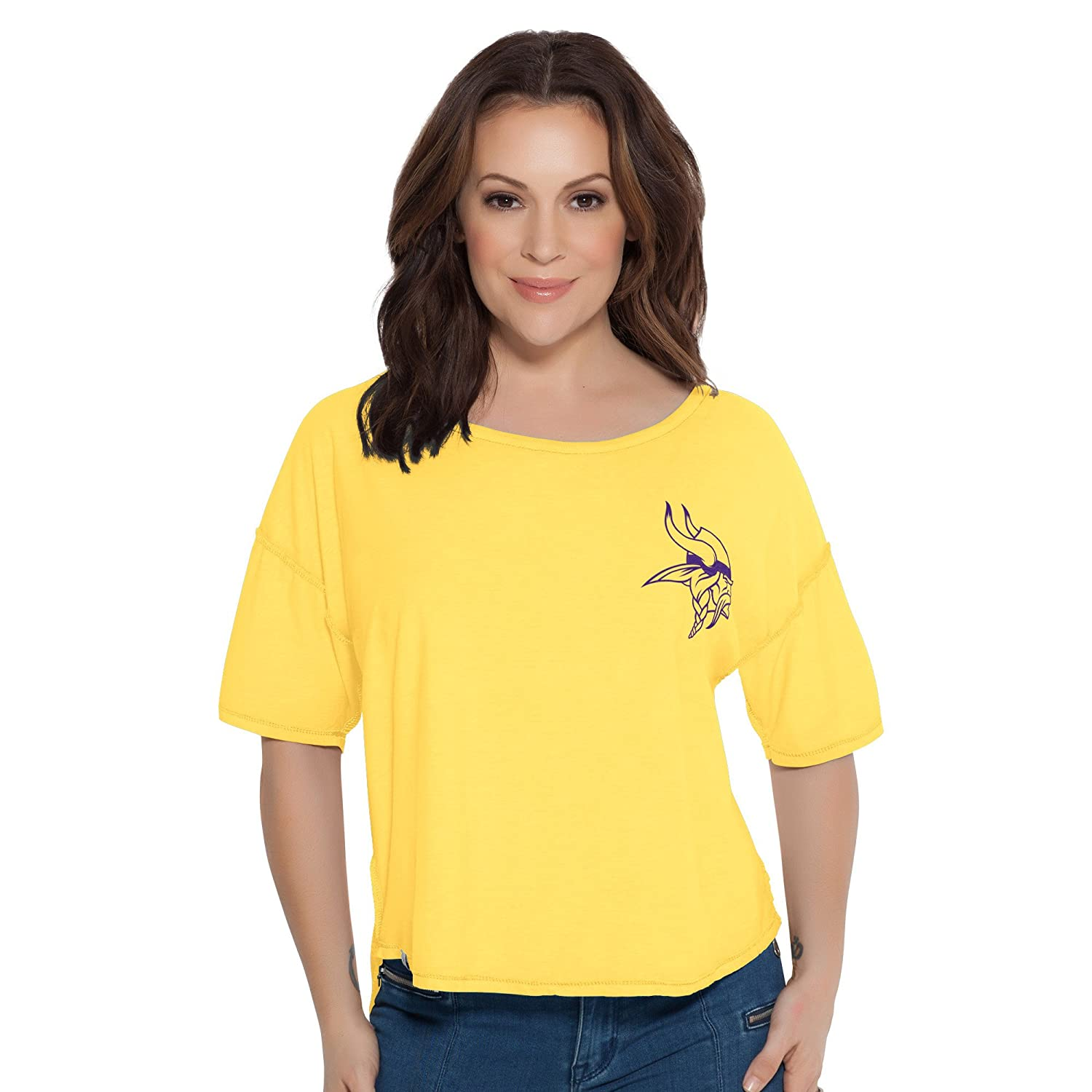 a7322a3c5 Amazon.com   Touch by Alyssa Milano S Base Reversible Tee   Sports    Outdoors