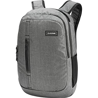9fc0a9bfb8341 Amazon.com  DAKINE Network 32L Backpack (Carbon)  Clothing