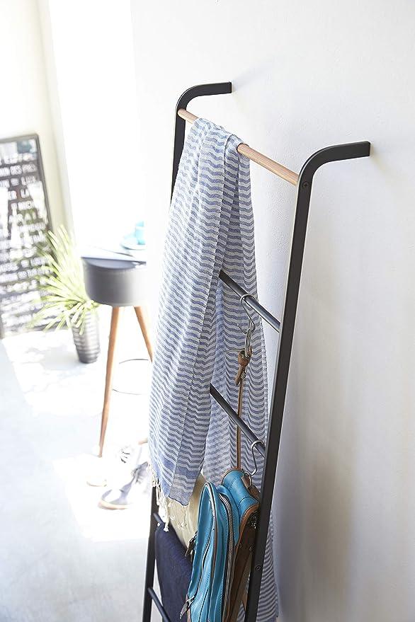 Amazon.com: Toallero YAMAZAKI Home con forma de escalera ...