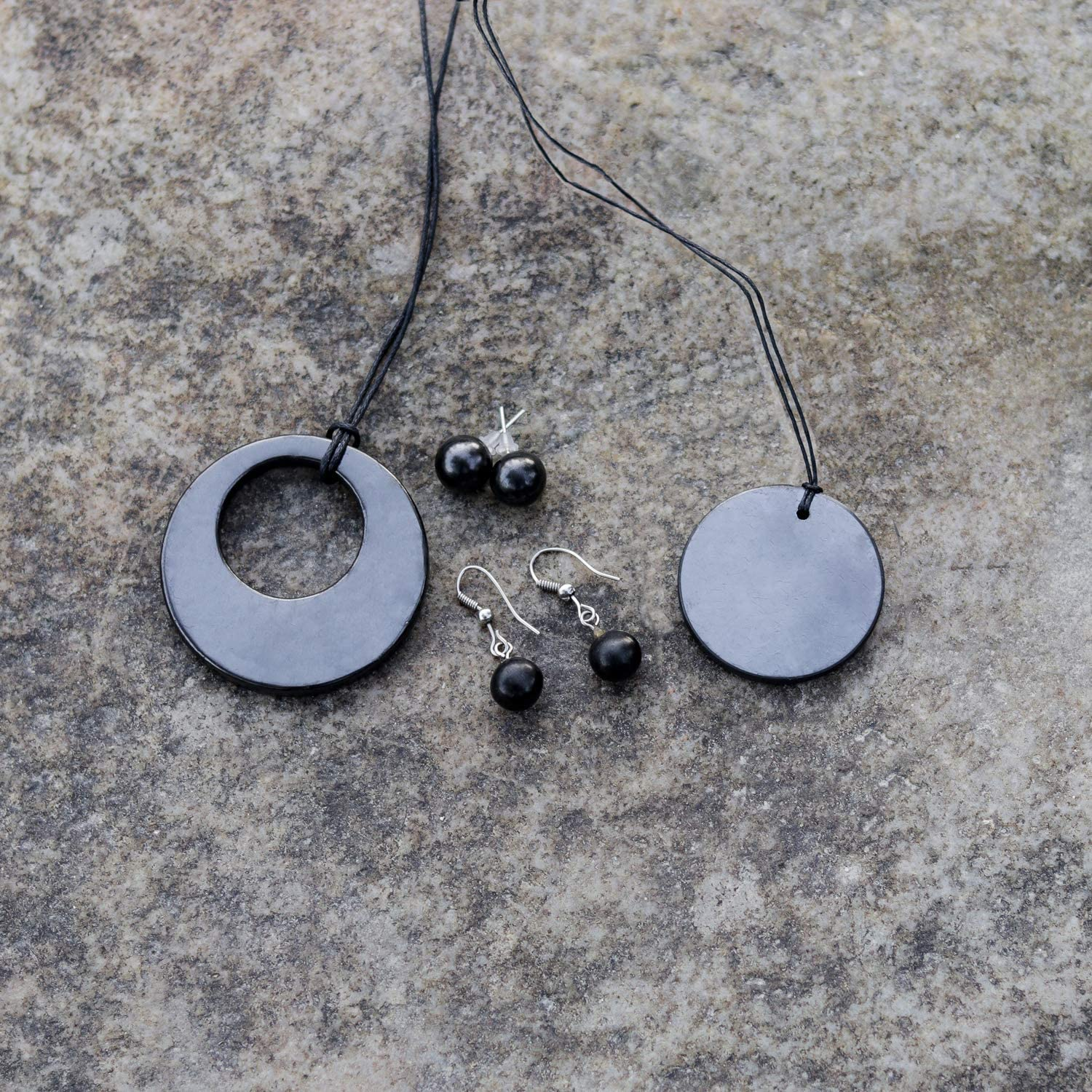 This Trendy Jewelry Gift Set Contains Earrings Studs Shungite Jewelry Set for EMF Protection Made of Shungite Stones Small Sphere Earrings Small Circle Pendant Double Circle Pendant