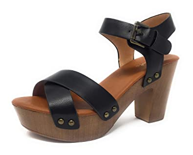 35c4a5b9448 Qupid FARRIS-01 Women s Criss Cross Front Wooden Clog Heeled Sandals (US 5