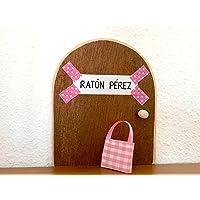 La auténtica puerta rosa mágica del Ratoncito Pérez. Con una preciosa bolsita de tela para dejar el diente. El Ratoncito Pérez, vendrá a por tu diente y te dejará una monedita.