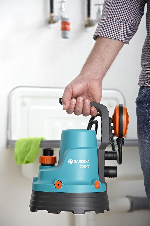 Bomba sumergible de aguas limpias Classic 7000/C de GARDENA: bomba de agua limpia, caudal 7000 l/h, silenciosa y sin mantenimiento, interruptor de flotador, ...