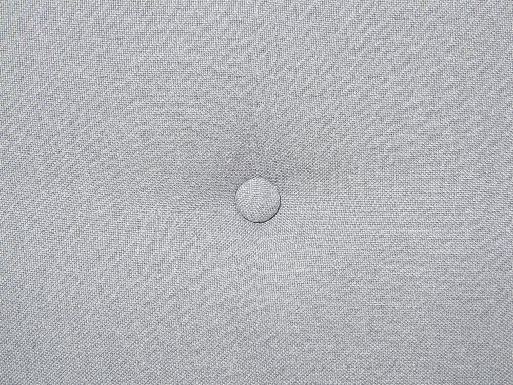Beliani Letto Matrimoniale in Tessuto Grigio Chiaro Stile Chesterfield 180 x 200 cm SAVERNE