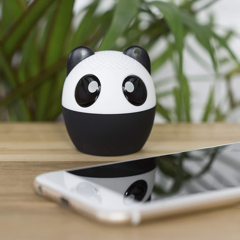 minialtavoz kawaii bluethoot pequeño figura de panda, blanco y negro
