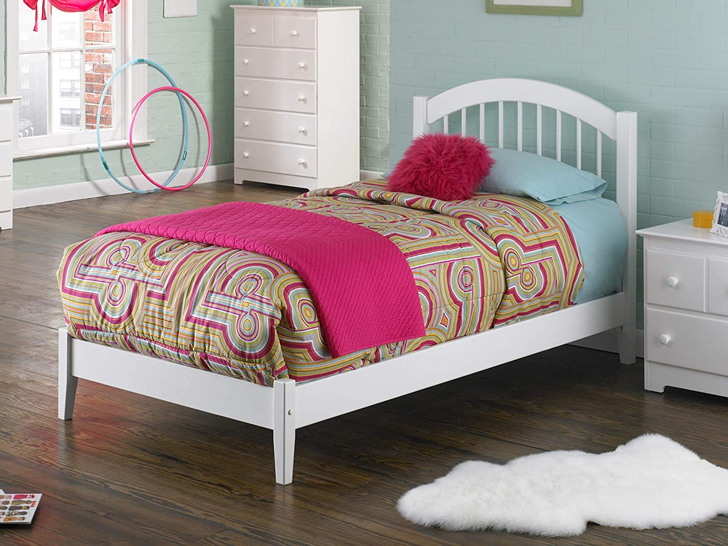 Atlantic Furniture Windsor Platform Bed with Open Foot Board, Twin, White