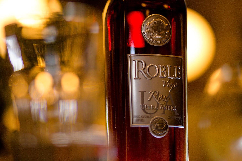Roble Viejo | Ron Ultra Añejo Venezolano - Botella de 70 cl