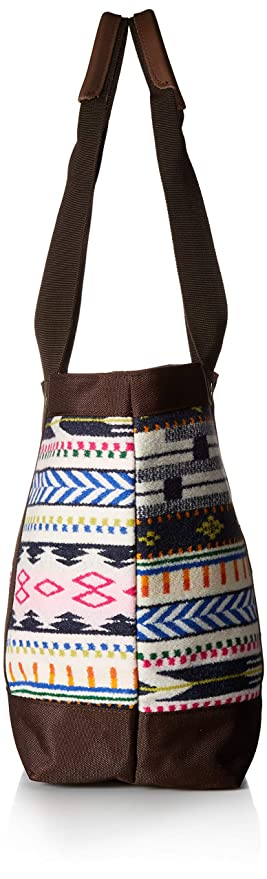 35ab164f53cd Amazon.com  Pendleton Women s Zip Tote