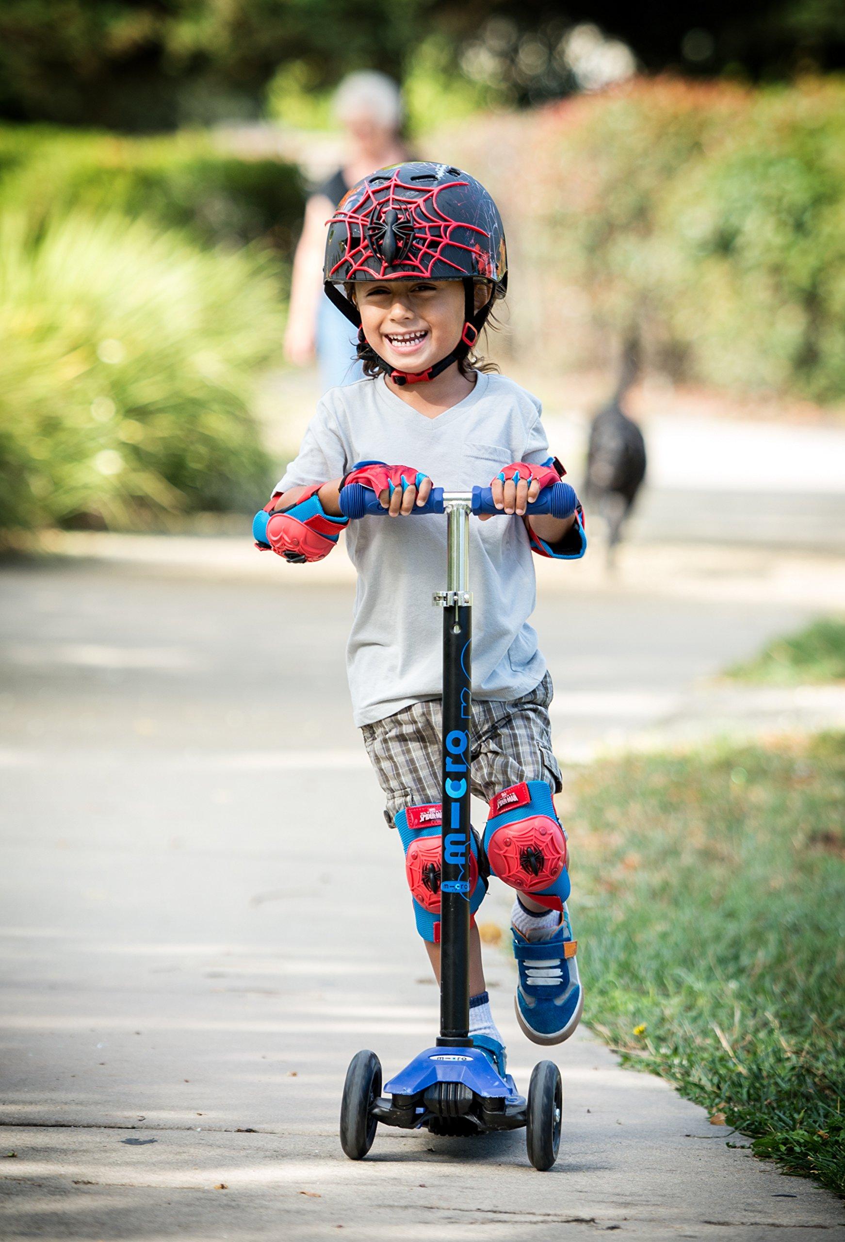 Bell 7059833 Children Spider-Man 3D Web Slinger Multi-Sport Helmet