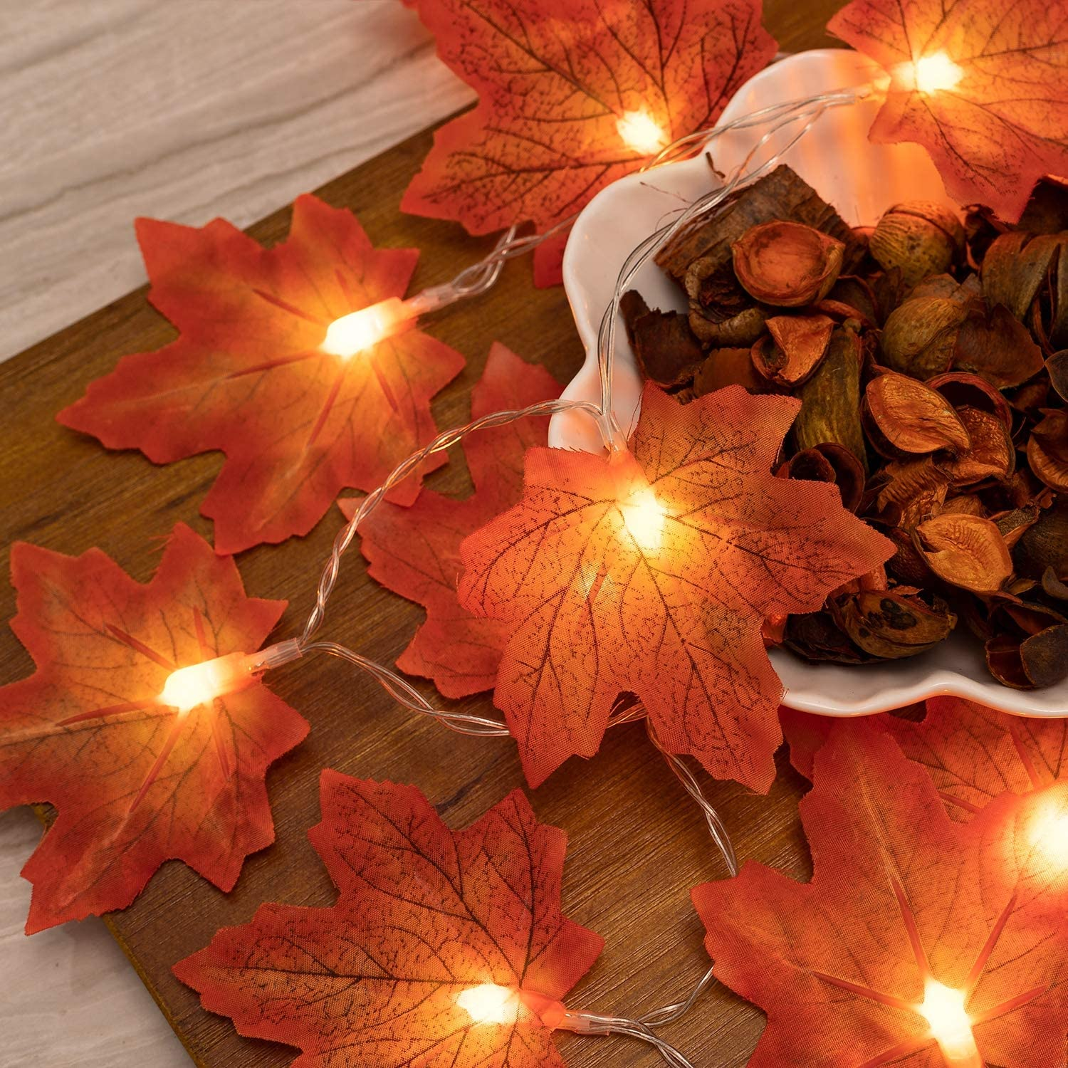 Maple Leaves Thanksgiving Lights for Fall Decorations, Garland String Lights with 20 LED, Battery Operated Lights for Outdoor Indoor Thanksgiving Decorations, 2 Modes Lights String for Fall Decor