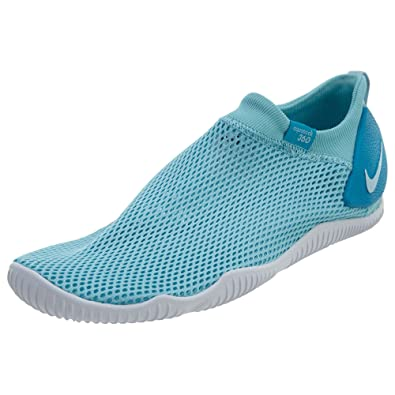 lowest price 118e9 cd1c5 Amazon.com   Nike Girl s Aqua Sock 360 Slip On Shoe   Sneakers