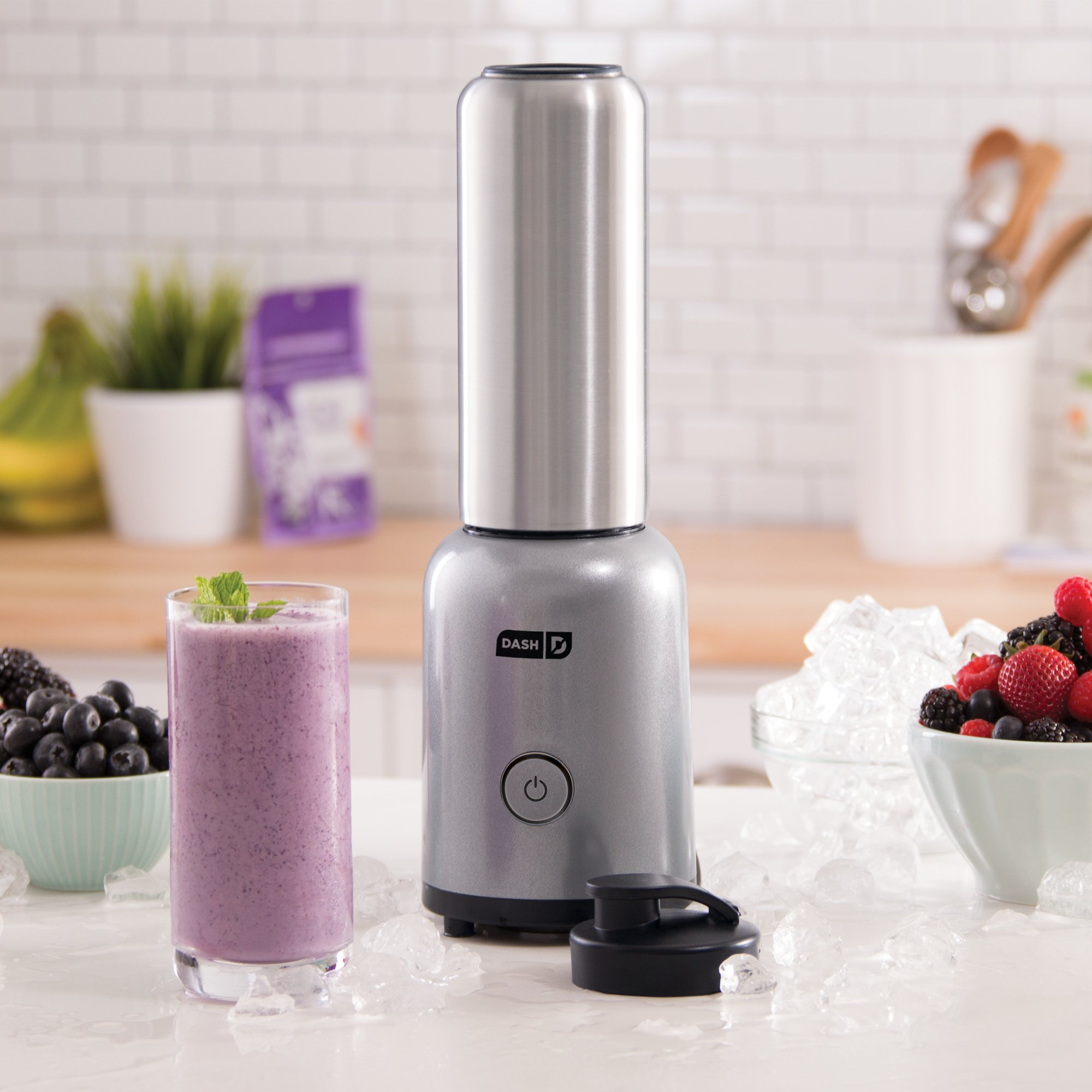 Dash Arctic Chill Blender: The Compact Personal Blender with Insulated Stainless-Steel Tumbler 16 oz + Travel Lid for Coffee Drinks, Frozen Cocktails, Smoothies by Dash (Image #2)