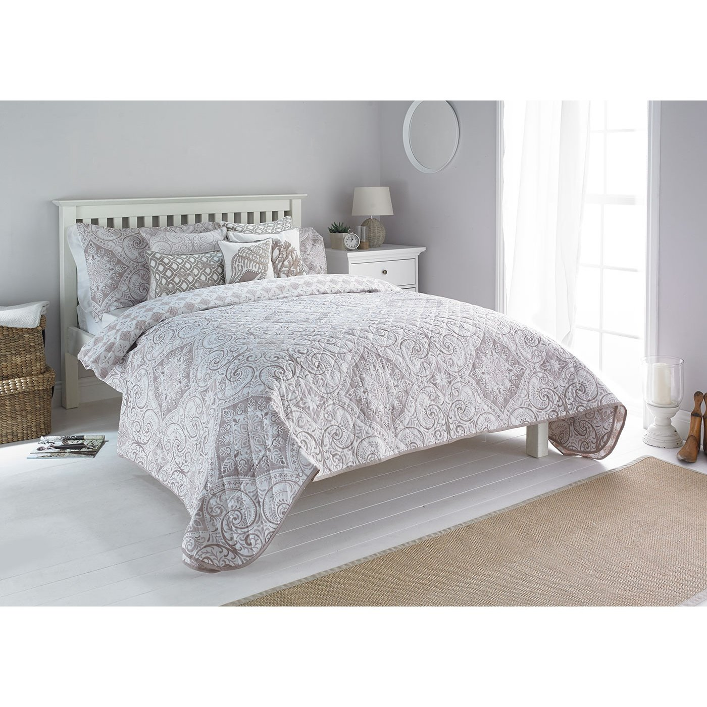 Riva Home Ionia Bedspread (94 x 102 inch) (Driftwood)